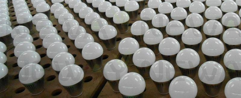 7W Samsung SMD 5630 LED Bulb in Production
